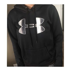 Under armour hoodie no rips or holes